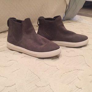 Steven by Steve Madden Charcoal Gray Sneakers